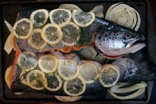 C mo cocinar un pescado entero en el horno for Como cocinar pescado